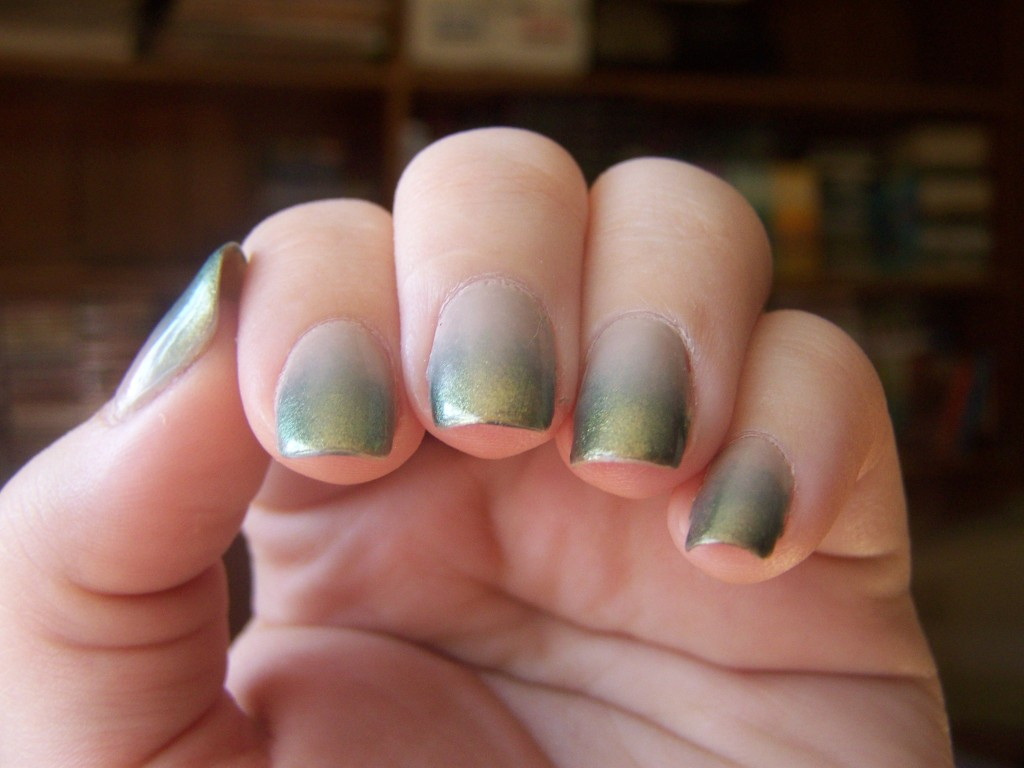 I was trying to get the green shimmer to show up. It did a little bit.